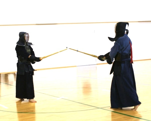 これが剣道で中心を取る5つの方法、すぐ中心を取られてしまう剣士でもOK